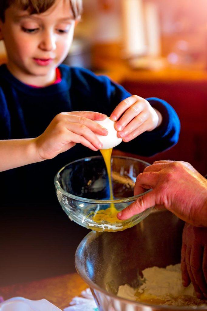 Farsi aiutare dai figli nelle faccende domestiche Psicologa Putignano Nunzia Rinaldi www.psicologanunziarinaldi.it